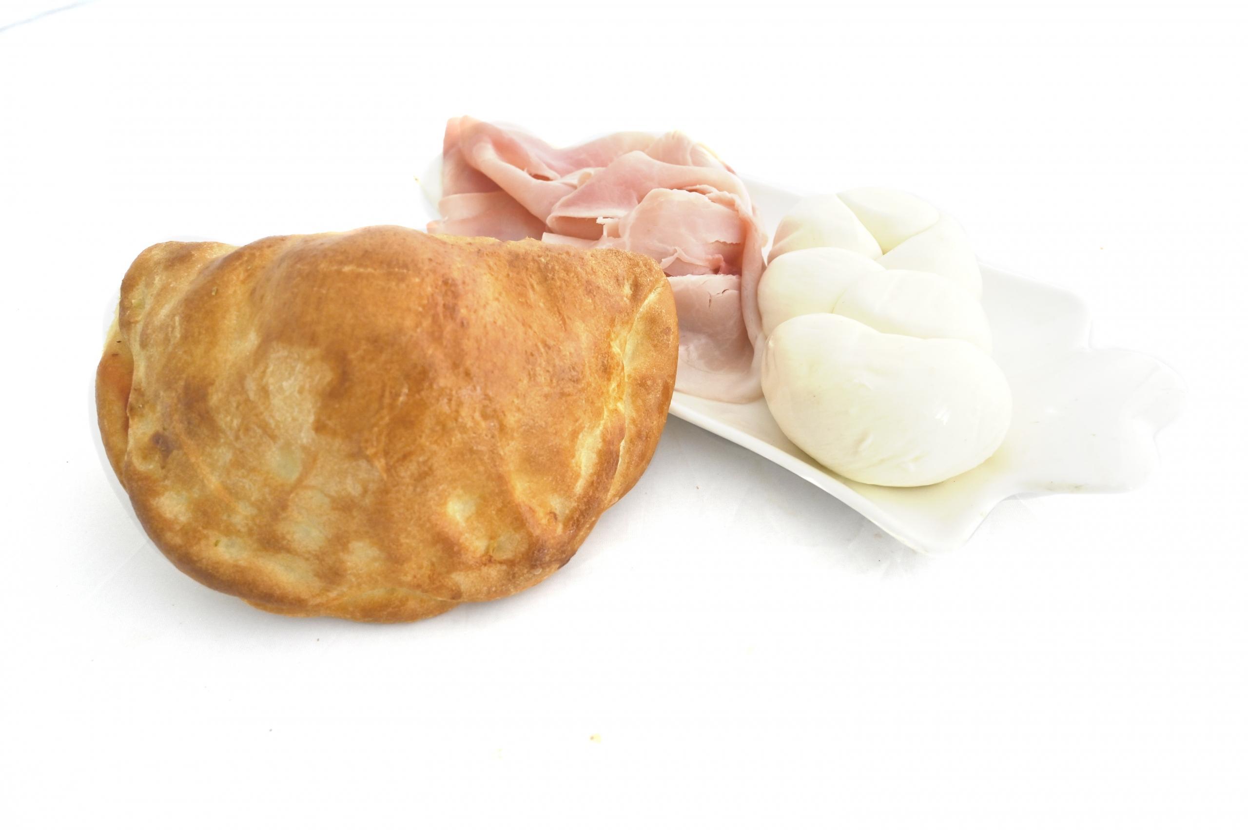 calzone prosciutto e formaggio